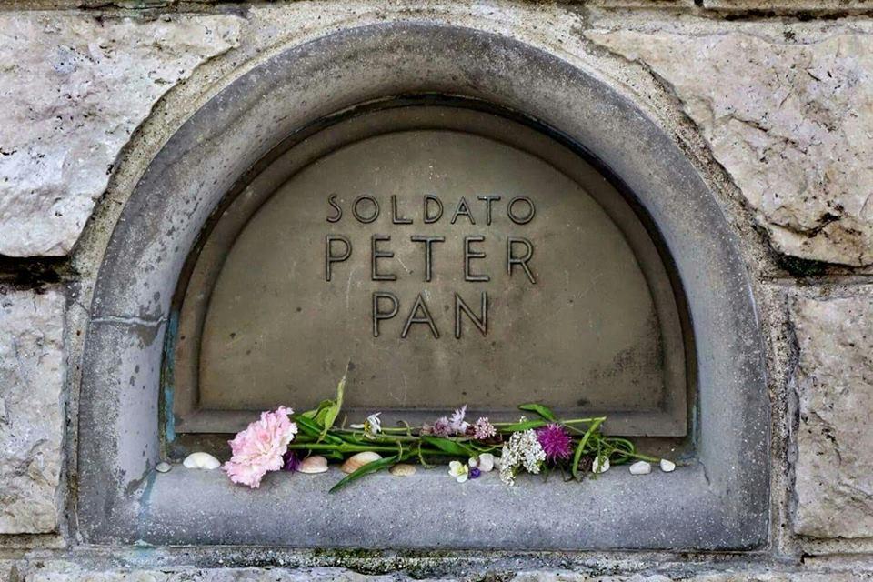 Pán Péter sírja