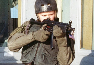 Kommandós Pro-Tec bukósisakban