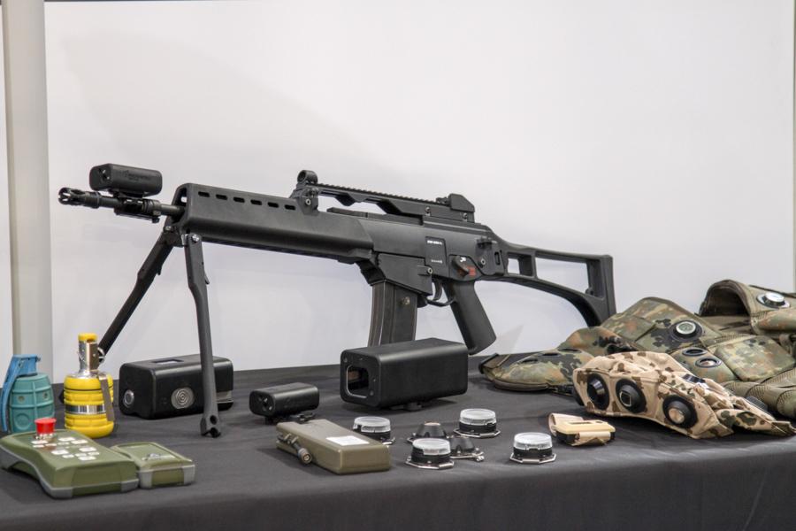 Fegyverek a Future Forces kiállításon